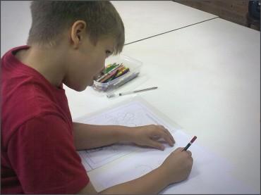 Criança precisa fazer Arte